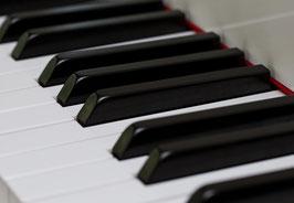 """Postkarte """"Klaviertasten"""""""
