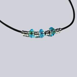 Schöne, kurze Halskette Mareiki