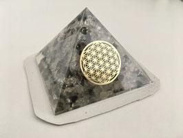 Orgon-Pyramide Bergkristall & Turmalin