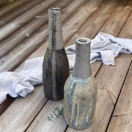 Vase mit grau-blau-beiger Glasur (matt)