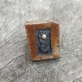 Ring, Braun mit Silberperle