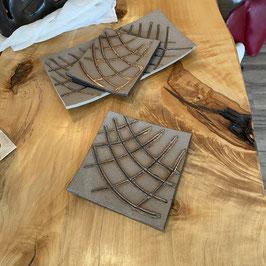 Schale, Bronzeglasur