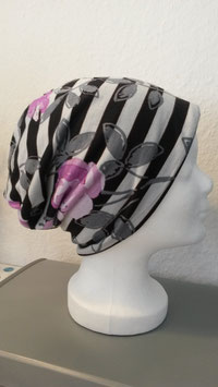 "Beanie ""Pink Flowers"""