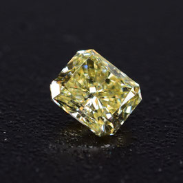 0,50 ct, Fancy Light Yellow, VVS1, Radiant, GIA Certified