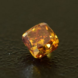 0,20 ct, Fancy Deep Orange, VS2, Cushion, IGI Certified