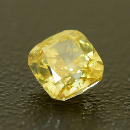 0,37 ct, Fancy Intense Yellow, SI2, Cushion, IGI Certified