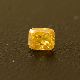 0,12 ct, Fancy Deep Yellow, (I1), Radiant, IGI Certified