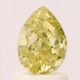 0,89 Carat, VS1, Fancy Greenish Yellow, Pear, GIA Certified