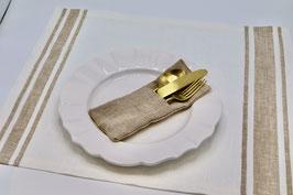 Set de table en lin écru rayé beige.