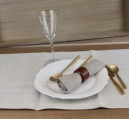 Chemin de table en lin chiné.