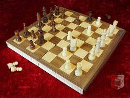 Schachkassette in Buchform zum Aufklappen