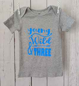 Birthday Shirt - Young Wild and Three - blau auf graumeliert 98