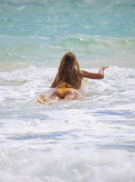 Glasbild Surfgirl Paddle