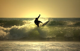 Glasbild Surfer