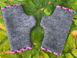 Wollwalk grau/ Triangle pink  - Fingerlose Handschuhe Gr. 3