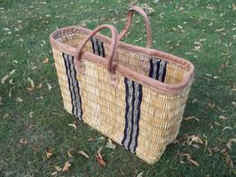 Einkaufstasche aus Binsen mit Lederrand und Ledergriffe