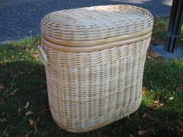 Wäschekorb,Wäschetonne in ovaler Form aus Rattan, natur