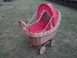 Puppenwagen wie aus Oma's Zeiten aus Weide
