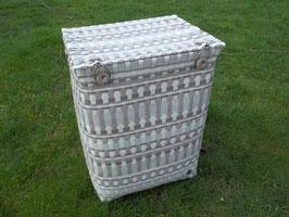 Wäschetonne, Wäschekorb aus Kunststoffgeflecht
