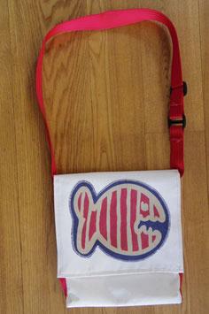 Tasche für Tablet oder anderes aus LKW-Plane mit Fish. Upcycling