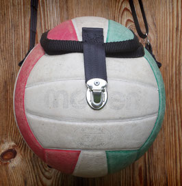 Balltasche aus einem Volleyball