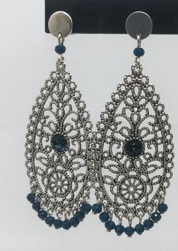 Orecchini in argento a forma di goccia traforati con piccoli strass Swarovski - cod. O47