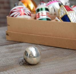 Feathertree kerstbal zilver, witte streep