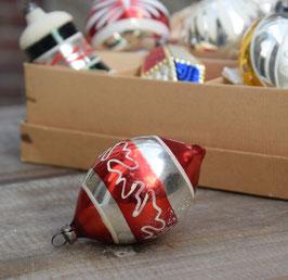 Pegel rood/zilver, wit geverfde krullen