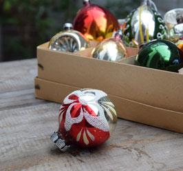 Kerstbal zilver/rood, gesuikerde bloem