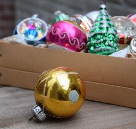 Kerstbal goud, blauw gesuikerd
