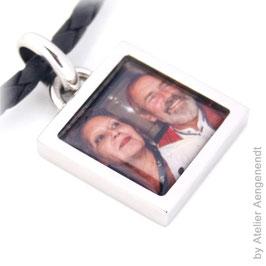 Persönliches Erinnerungsstück Fotoanhänger aus Edelstahl  VARIANTE: VIERECK (FAEV)