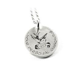 Anhänger mit individueller Gravur und Kette aus 925 Silber Schwalbe Schwalben Tattoo Hoffnung Liebe Freiheit Sehnsucht PS271KE2
