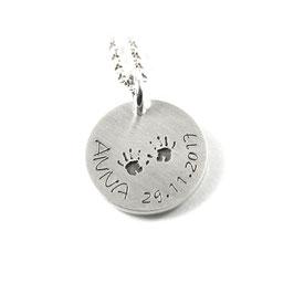 Anhänger Symbol Baby Hand Abdruck und Kette aus 925 Silber Namenskette mit individueller Gravur PS131 KE2