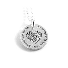 Runder Anhänger mittig mit Herz Symbol und Ihrer Gravur aus 925 Silber  PS227 KE2