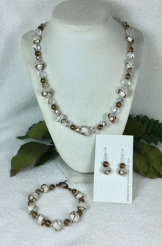 Pearl and Gold Strip Ball Necklace Set