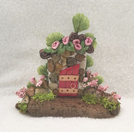 Red & Pebble Miniature Fairy Door Garden