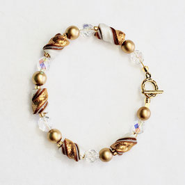 Shimmery Gold and White Twist Bead Bracelet.