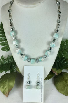 Glittery Teal and Pearl Swirled Cube Necklace Set