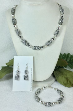 Glittery Silver and Pearl Twist Bead Necklace Set