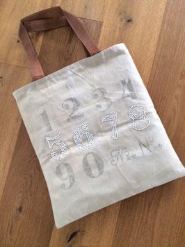 Tasche mit Zahlen