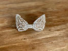 Haarband weiss mit beigen Muster und Perlen