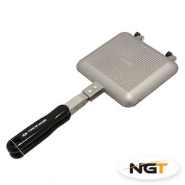 NGT Toastie Maker chrom