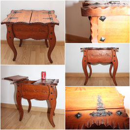 Antigua mesa costurero grande / Old large sewing table