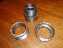 Riley 1929 - 1939:  Differenzialmutter re. & li. , Pinionmutter / Differential Bearing Housing, Sleeve Housing.