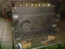 Riley 15/6 : Motorblock bearbeitet / Cylinderblock machined.