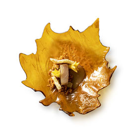 AMBER GLASS LEAF 17CM , 1pz.