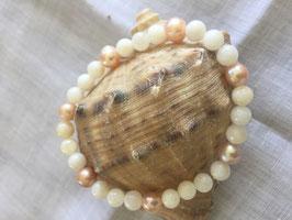 Armband mit rosa Süsswasserperle und weissem Achat