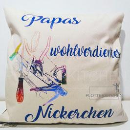 Zierkissenhülle Papas wohlverdientes Nickerchen  Fairtrade Cotton   (Personalisierung möglich)