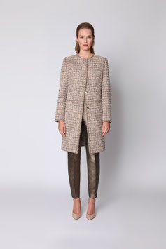 CLASSIC BOUCLÉ-TWEED COAT WITH HAND-MADE TRIM SIZE 38