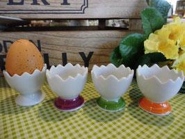 Eierbecher mit Fuß, gezackt, 4,5 cm